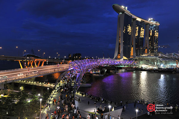 Double Helix Bridge in Singapur